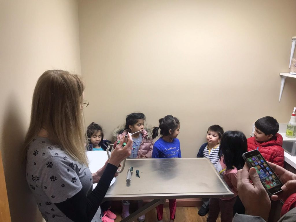 Al-Hadi FLL Jr team visits an animal hospital for research for their project